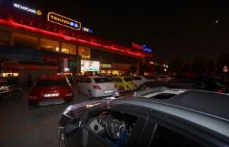Gebze CENTER AVM'de 3 günde Bin 500 kişi Arabalı Açık Hava Sineması izledi