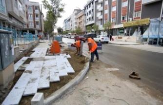 Darıca Aşıroğlu Caddesi'nde üstyapı çalışmaları tamamlanıyor