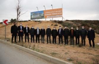Çiftçi ve Ellibeş Çayırova'da yatırımları inceledi