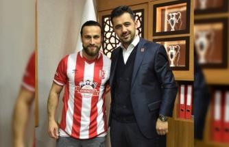 Aydeniz Et Balıkesirspor 4 futbolcuyla sözleşme imzaladı