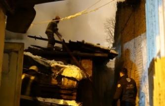 Bursa'da müstakil evde çıkan yangın bitişikteki ikametlere sıçramadan söndürüldü
