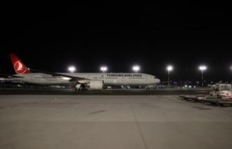 Çin'den sipariş edilen Kovid-19 aşılarının ikinci partisini taşıyan uçak Türkiye'ye geldi