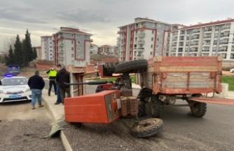 Edirne'de traktörün altında kalan sürücü yaralandı