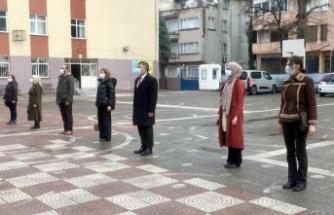 Karamürsel'de okullarda bayrak töreni yapıldı