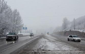 Karayolları ekipleri, yollarda kar mesaisine hazır