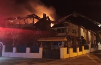 Kandıra'da üç katlı binada çıkan yangın söndürüldü