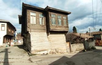 Tarihi Tavşancıl evlerinin restorasyon çalışmaları