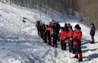 Kartepe Kayak Merkezi'nde çığ tatbikatı yapıldı