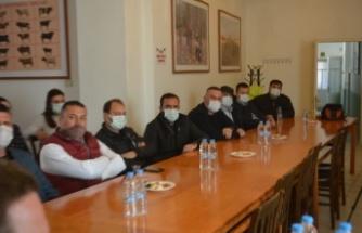 AK Parti Balıkesir Milletvekili Mustafa Canbey, Ayvalık'ta çiftçileri dinledi