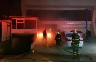 Kocaeli'de oto tamir atölyesinde yangın