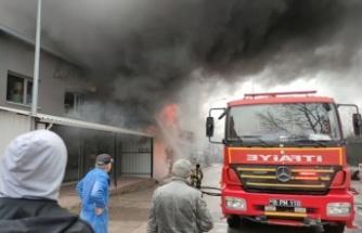 Sünger deposunda çıkan yangın söndürüldü