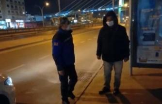 """Kocaeli'de zabıta ekipleri """"tam kapanma""""da yoğun mesai harcıyor"""