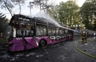 Park halindeki otobüste çıkan yangın söndürüldü