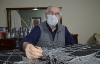 Metal atıkları sanat eserine dönüştürdüğü atölyesini salgın döneminde eve taşıdı