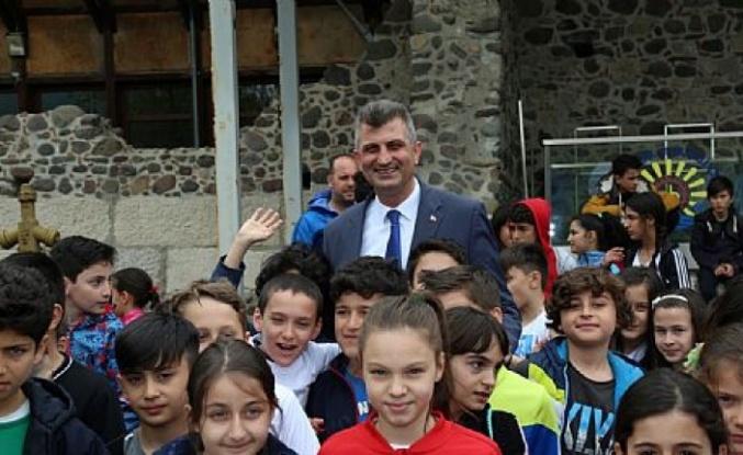 Başkan Sezer, çocukları şenliğe davet etti