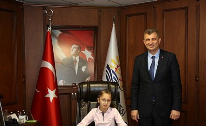 Başkan Sezer koltuğu Ece Sevil´e devretti