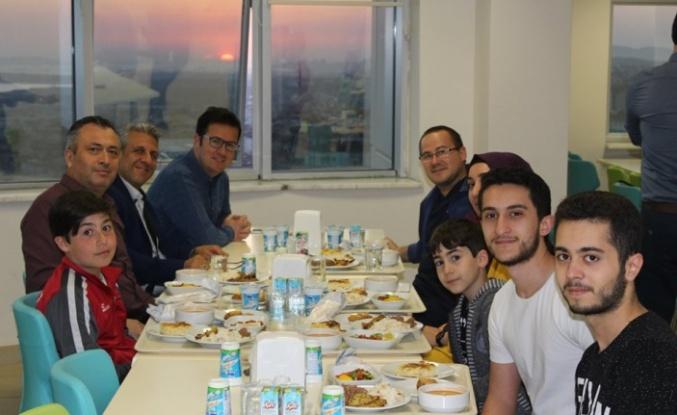 Gebze Fatih Devlet Hastanesi İftar Yemeğinde Buluştu.