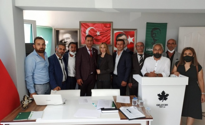 Gelecek Partisi Derince'de Yıldız seçilmiş başkan