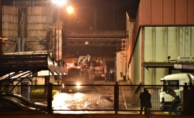 Demir döküm fabrikasında çıkan yangın söndürüldü