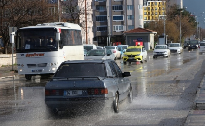 Edirne'ye dolu yağdı