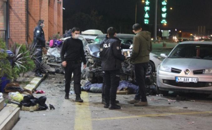 Cip dinlenme tesisindeki araç ve yayalara çarptı: 1 ölü, 8 yaralı