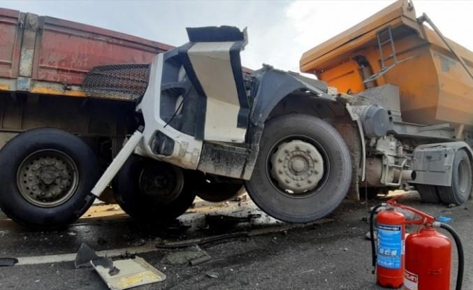 D-100 kara yolundaki kaza ulaşımı aksattı