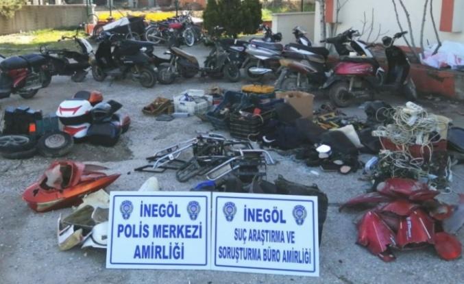 Çaldıkları motosiklet ve elektrikli bisikletleri parçalayıp satan 5 şüpheli tutuklandı