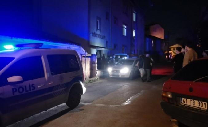 Gebze''de tartıştığı oğlu ile gelini ve 2 torununu bıçakla yaralayan zanlı gözaltına alındı
