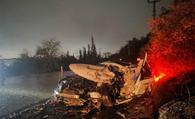 Gebze'de  tırla çarpışan otomobilin sürücüsü öldü