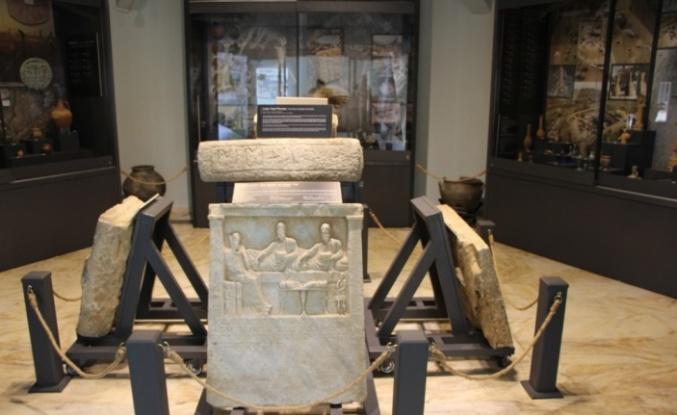 Bandırma Müzesi bulundurduğu 10 bin eserle ziyaretçilerini geçmişe götürüyor