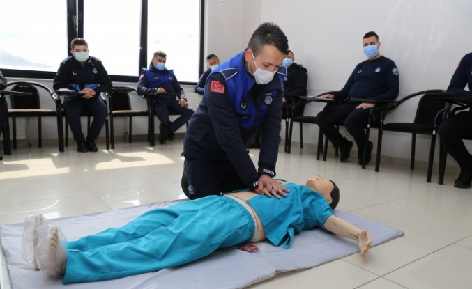 Kandıra Belediyesinin 64 Personeli ilk yardım kursu alıyor.