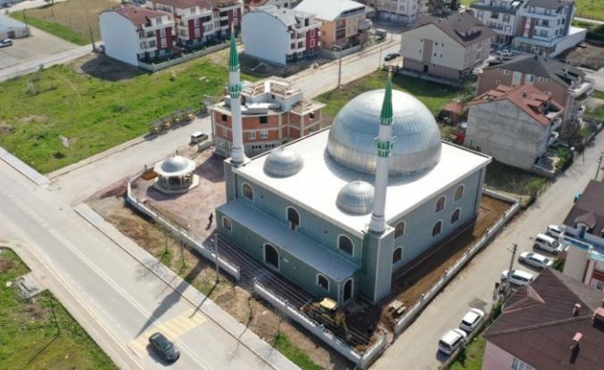 Kartepe'de 17 Ağustos Camii'nde çevre düzenlemesi