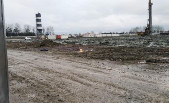 Gölcük'te altyapı çalışması sırasında doğal gaz borusu patladı
