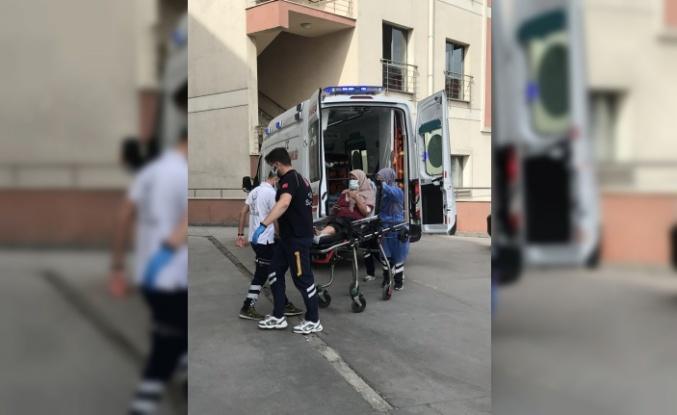 Kavga eden kardeşleri ayırmaya çalışan kadın silahla yaralandı