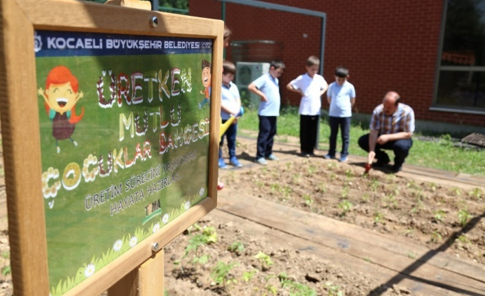 Büyükşehir'den okullara ''Üretken mutlu çocuklar bahçesi''