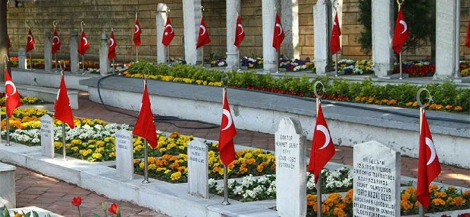 İzmit Namazgah Şehitliği 30 Ağustos'a hazırlandı