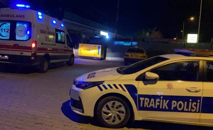 Edirne'de hafif ticari araçla taksi çarpıştı: 3 yaralı