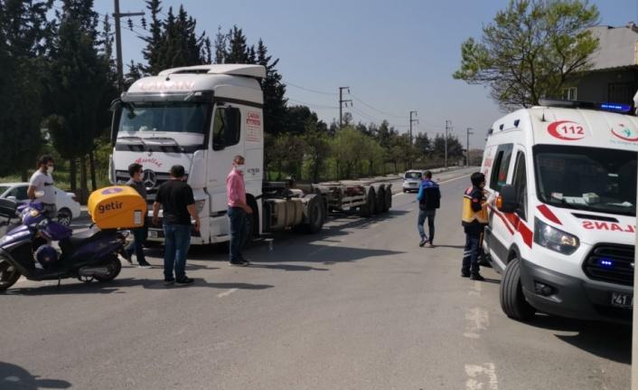 Gebze'de tırla çarpışan motosikletin sürücüsü yaralandı