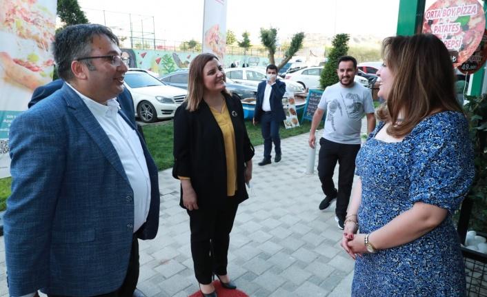 Çayırova'da, Hürriyet'e sıcacık karşılama