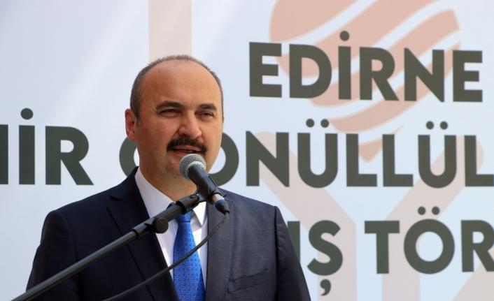 Edirne Valisi Canalp, kentin Kovid-19'a karşı aşılama oranında Türkiye'de ilk sırada olmasını değerlendirdi: