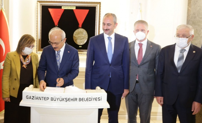 Gaziantep'e iki 'Bakan'lı nezaket