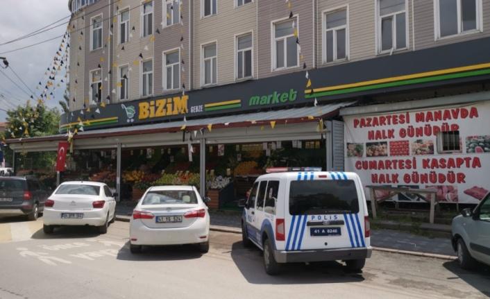 Kocaeli'de market önündeki dondurucunun motorunun çalınması güvenlik kamerasında