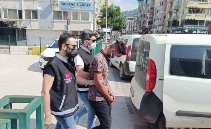 Kocaeli'de telefonla aradıkları kişiyi 1,3 milyon lira dolandırdığı iddia edilen şüpheliler yakalandı