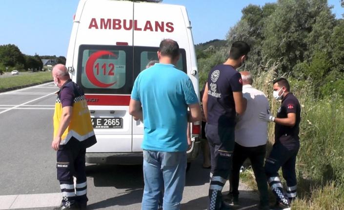 Sakarya'da takla atan otomobilin sürücüsü yaralandı