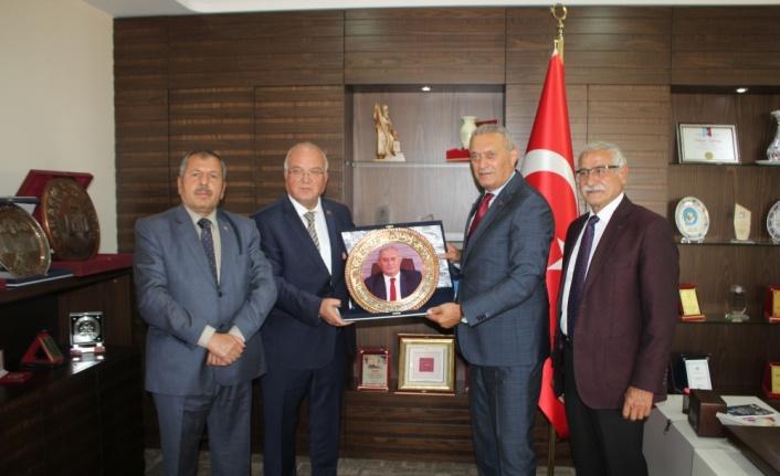 Türkiye Madeni Eşya Sanatkarları Federasyonu Başkanı Heppekcan'dan SESOB'a ziyaret