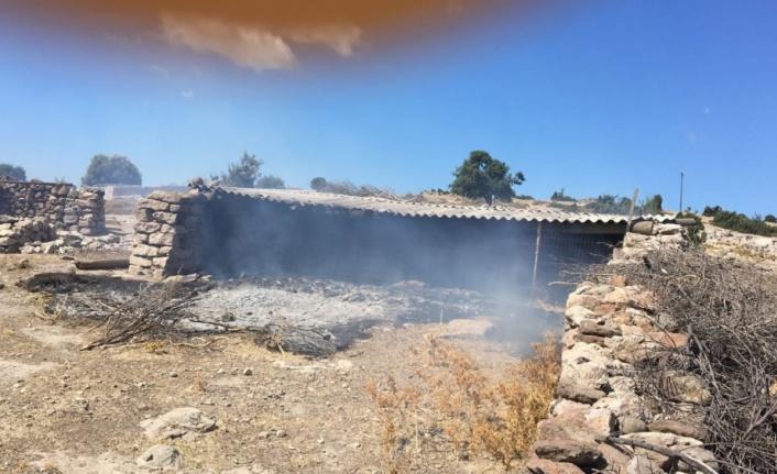 Biga'da yaklaşık bin balya saman yandı