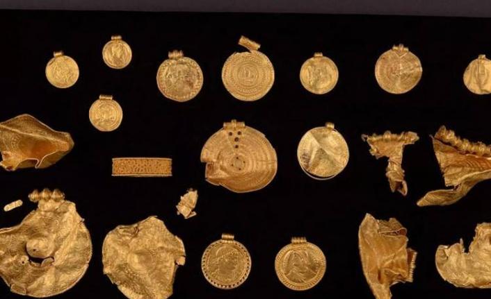 Danimarka'da altın hazine keşfedildi