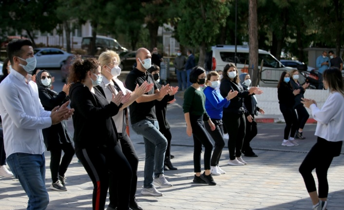 Kırklareli'nde sağlık çalışanları mesailerine egzersiz yaparak başladı