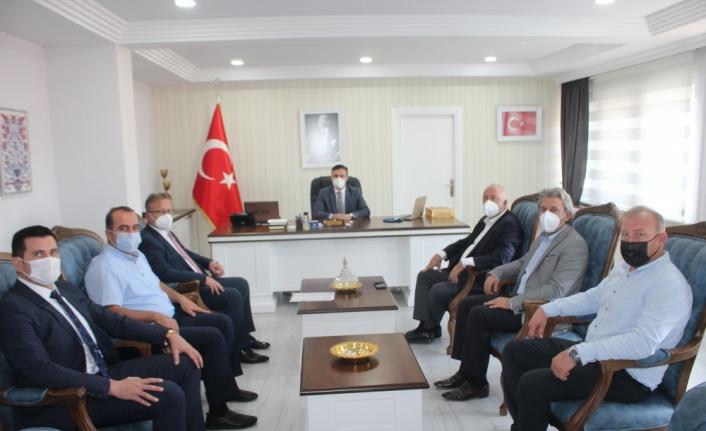 Söğütlü Belediye Başkanı Özten'den İlçe Kaymakamı Gün'e