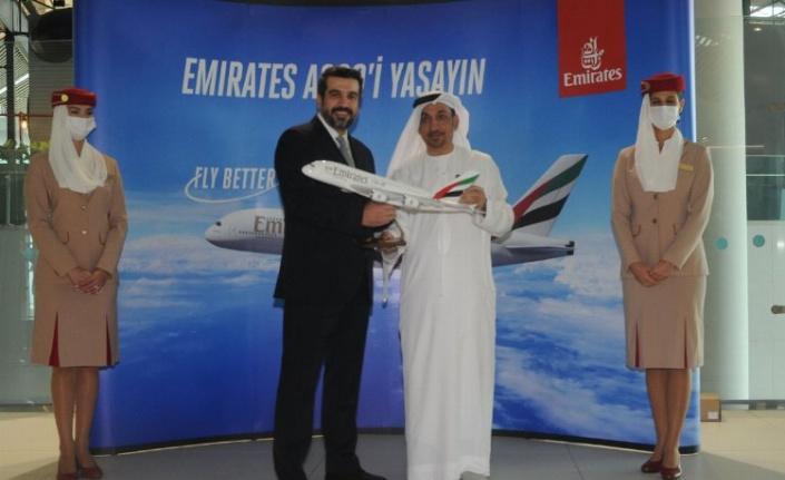 Emirates, A380'nin Istanbul'a inişini kutluyor